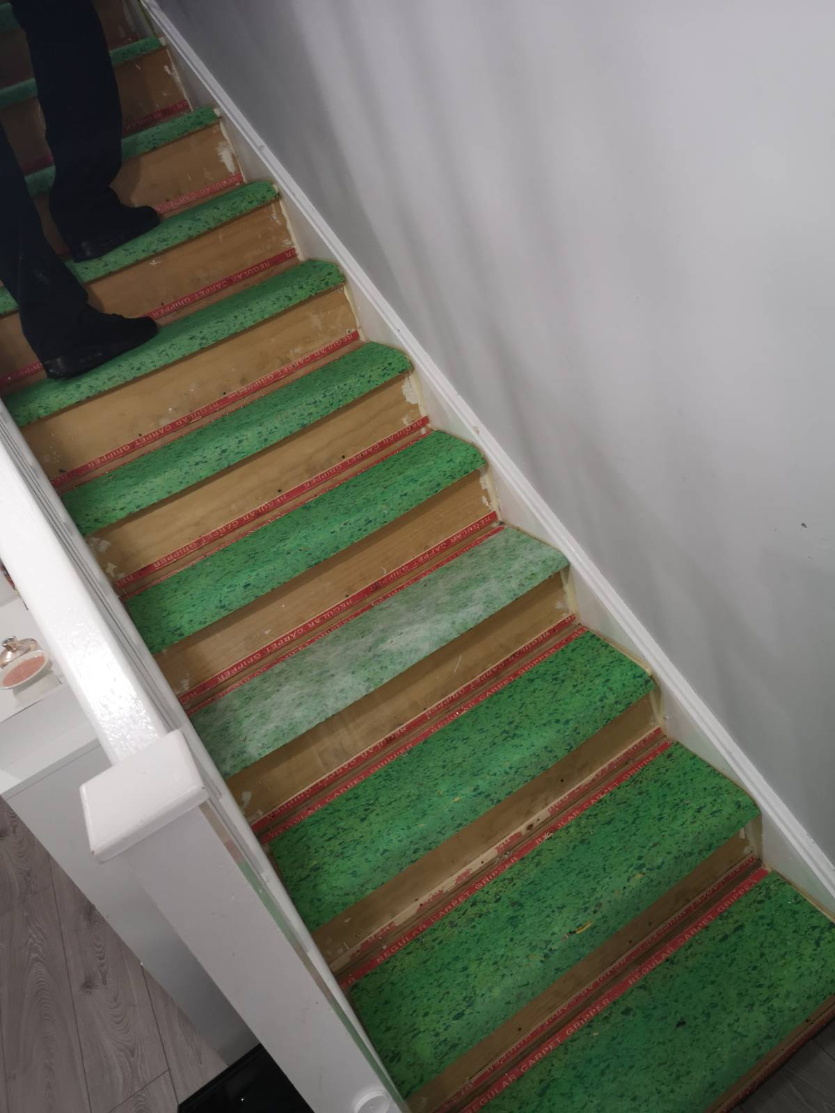 underlay fitted on staircases ready for carpet to be fitted